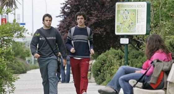 Estudiantes en la Universidad de Alcalá de Henares.