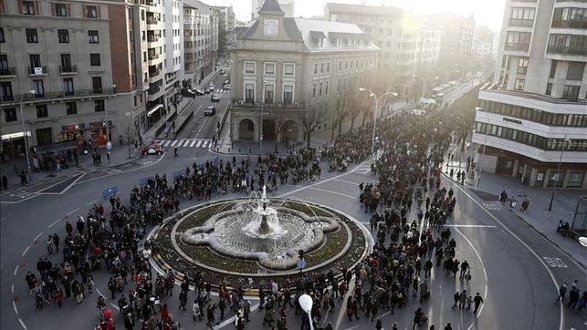 Miles de personas rechazan en Pamplona la reforma educativa del ministro Wert. Fuente: eldiario.es